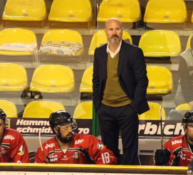 Coach Frank Petrozza heuert am Westbahnhof an