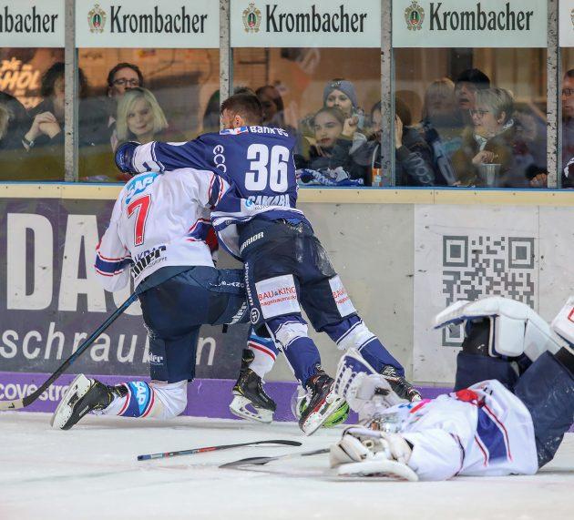 """Roosters bringen Tabellenführer Mannheim """"nur"""" an den Rand einer Niederlage"""