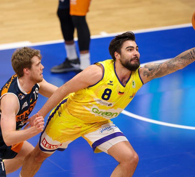 Phoenix wehrt sich lange – aber Rostock wird seiner Favoritenrolle gerecht