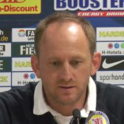 Eintracht-Trainer Lieberknecht ist froh, dass Holtmann einen langfristigen Vertrag hat