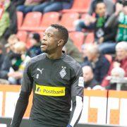 Borussia nimmt Mannschaftstraining auf – alle Spieler zweimal negativ getestet – Denis Zakaria am Knie operiert